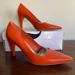 Nine West Orange Aurra Leather Pointed Toe Heels